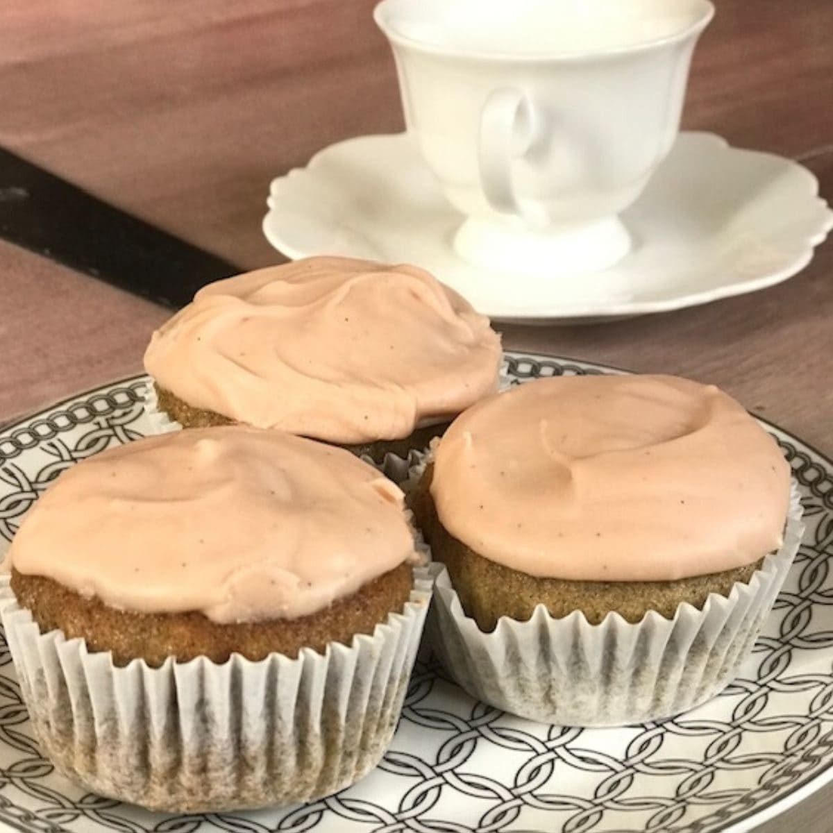 3 cupcakes on small plate