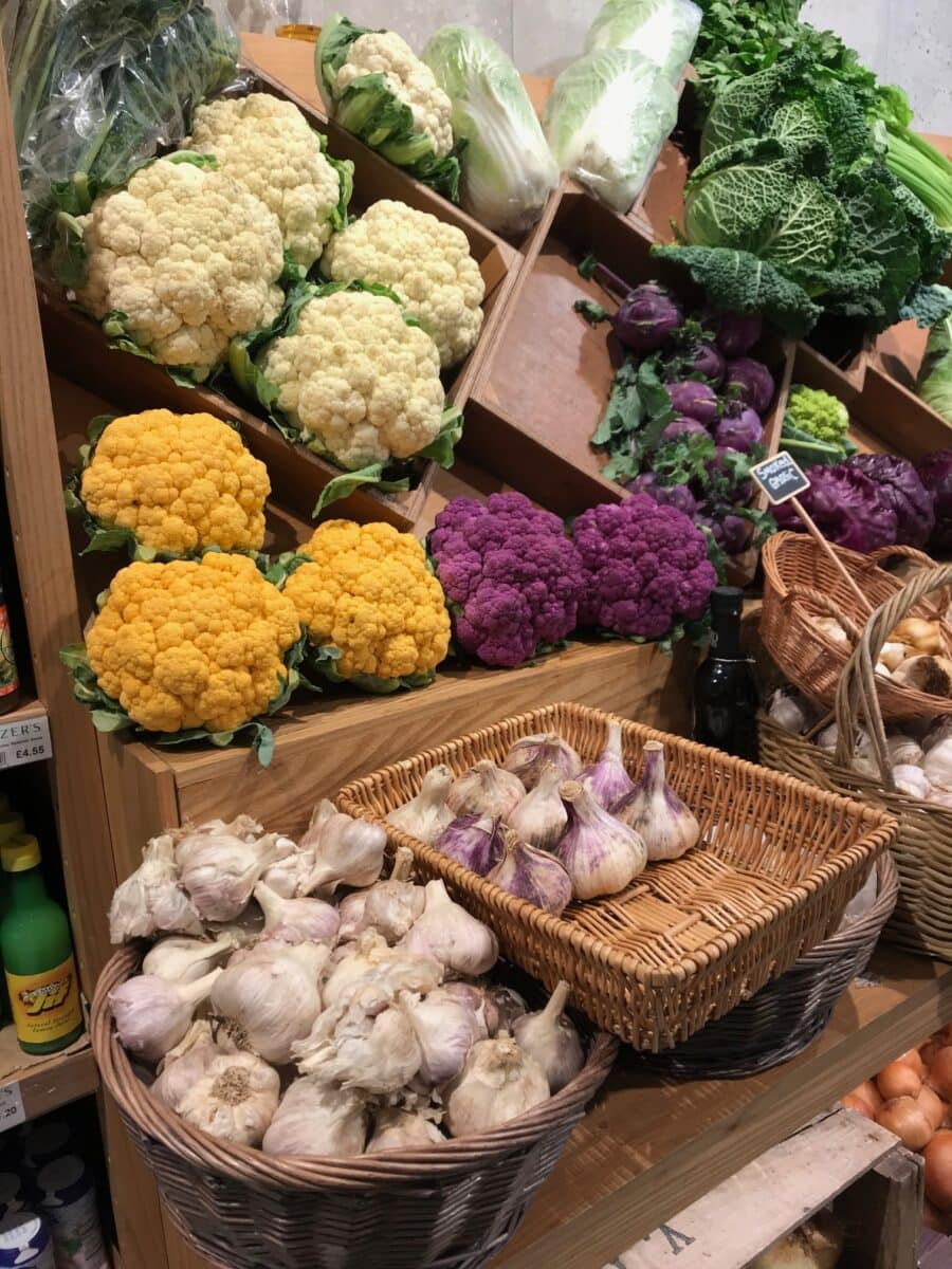 varieties of coloured cauliflower
