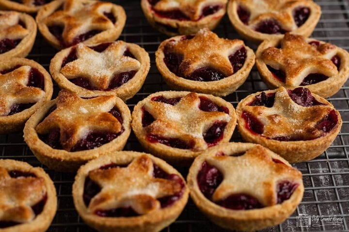 many small pies with star shape marzipan